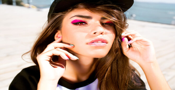 Tips and Tricks for Wearing Neon Colours This Summer