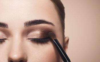 10 Age Defying Eye Make-Up Techniques for Older Women