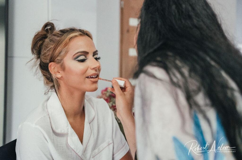 Makeup-Artist-UK_-_Applying-Makeup
